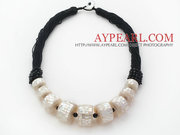 New Design Shape White Mosaics Shell Necklace Is Sold